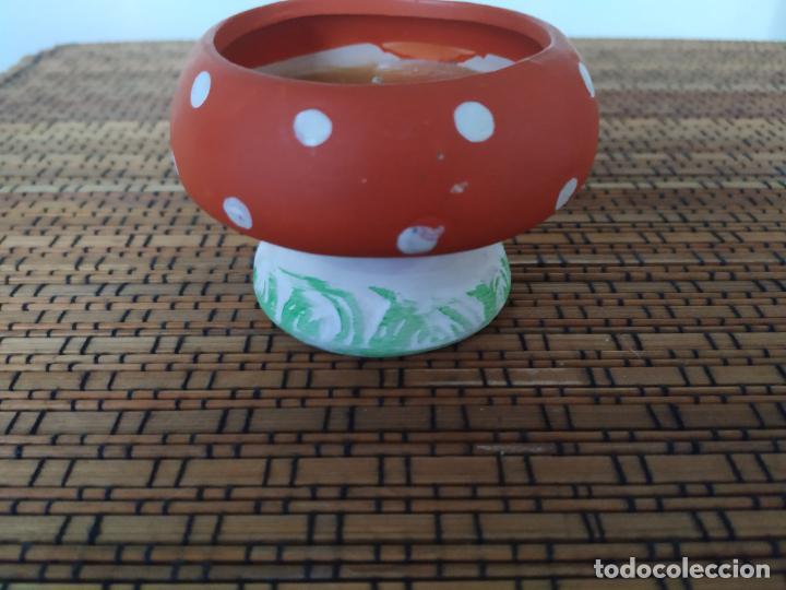 Nuevo: Seta de cerámica con vela. Altura 5,7 cm. - Foto 2 - 206553151