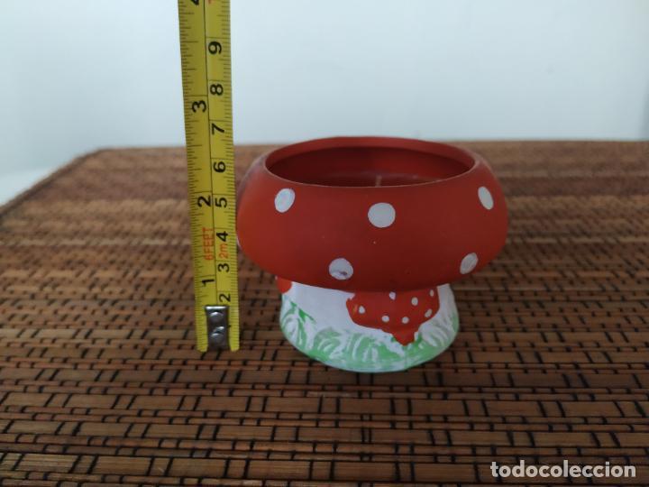 Nuevo: Seta de cerámica con vela. Altura 5,7 cm. - Foto 3 - 206553151