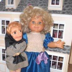 Otras Muñecas de Famosa: MARICARMEN Y SU MUÑECA DOÑA ROGELIA, DE FAMOSA. Lote 27191809
