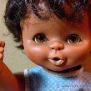 Otras Muñecas de Famosa: MUÑECA CURRÍN NEGRA, ORIGINAL DE FAMOSA, 1970S, OJOS MARGARITA. Lote 146304964