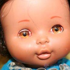 Otras Muñecas de Famosa: FAMOSA MUÑECA NEGRITA CON CUERDA OJOS MARGARITA MIMI MIMOSA MIMOSO. Lote 26765128
