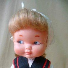 Otras Muñecas de Famosa: RARA Y PRECIOSA MUÑECA RAPACIÑA, REGIONAL, CABEZA DE GOMA, 28 CM, 1970S, FAMOSA. Lote 26349615