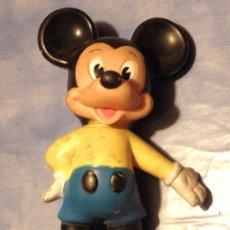 Otras Muñecas de Famosa: MICKEY MOUSE FAMOSA MEDIDAS 14,0 X 23,5 X 14,0 CMS.CON PITO. Lote 37792630