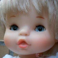 Otras Muñecas de Famosa: MUÑECA CHIQUITINA NIÑA DE FAMOSA AÑOS 70, OJOS AZULES. Lote 38711750