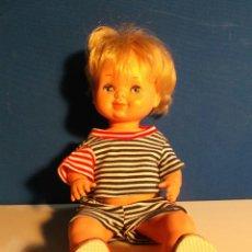 Otras Muñecas de Famosa: MUÑECA DE PLÁSTICO. OJOS DURMIENTES. DE FAMOSA. Lote 41857880