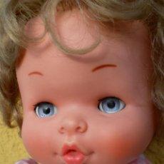 Otras Muñecas de Famosa: MUÑECA MATY DE FAMOSA AÑOS 70, BRAZOS DUROS. Lote 42030859