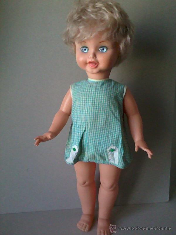 BONITA MUÑECA MIRINDA RUBIA PELO CORTO DE FAMOSA DE 1965.ANTERIOR A NANCY.ROPA ORIGINAL (Juguetes - Muñeca Española Moderna - Otras Muñecas de Famosa)
