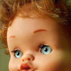 Otras Muñecas de Famosa: HERMOSA MUÑECA ESPAÑOLA, GRASITAS, FABRICADA POR FAMOSA, PELIRROJA, 32 CM. Lote 43197510