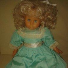 Otras Muñecas de Famosa: MUÑECA DE FAMOSA MARCADA EN LA NUCA CON VESTIDO ORIGINAL. Lote 46360154
