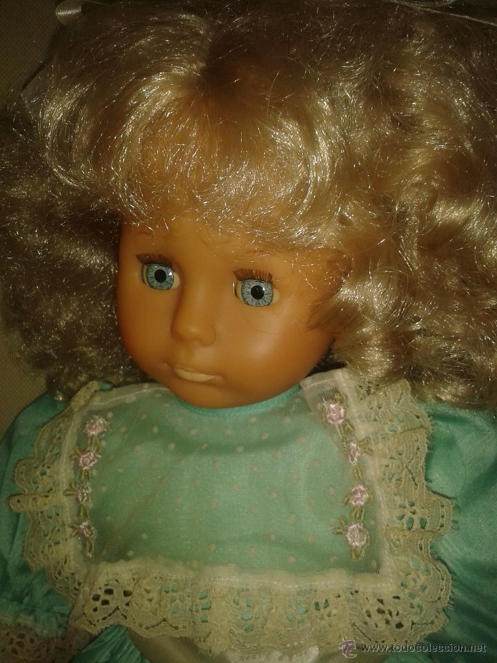 Otras Muñecas de Famosa: MUÑECA DE FAMOSA MARCADA EN LA NUCA CON VESTIDO ORIGINAL - Foto 2 - 46360154