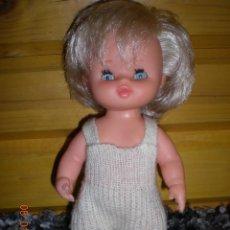 Otras Muñecas de Famosa: BONITO MUÑECO CURRIN DE FAMOSA OJOS MARGARITA ROPA ORIGINAL AÑOS 70. Lote 47288374