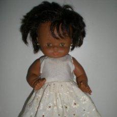 Otras Muñecas de Famosa: MUÑECA GODINA MULATA O NEGRA DE FAMOSA COMPLETA DE ORIGEN CON SU ETIQUETA PESTAÑAS NEGRAS RECTAS. Lote 49295682