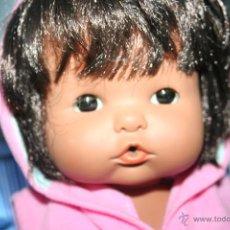 Otras Muñecas de Famosa: ANTIGUO MUÑECO NENUCO MULATO O ESQUIMAL. Lote 51250195