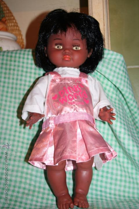 Otras Muñecas de Famosa: muñeca negrita negra iberica comercial con traje original de nenuca - Foto 2 - 53942100