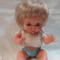 Otras Muñecas de Famosa: ANTIGUA MUÑECA MAY DE FAMOSA CON TRAJE ORIGINAL . Lote 54510110