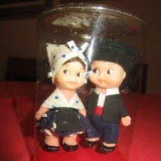 Otras Muñecas de Famosa: MUÑECOS PAREJA TIN Y TAN DE FAMOSA. VESTIDOS REGIONALES. AÑOS 60/70. Lote 56549555