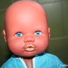 Otras Muñecas de Famosa: MUÑECO NENUCO NEGRITO 2008 O MULATO CON ROPA ORIGINAL NENUCO ANTIGUA. Lote 63468960