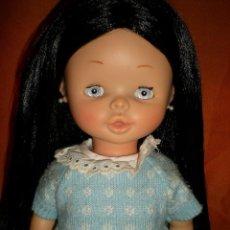 Otras Muñecas de Famosa: PRECIOSA MARGOT DE FAMOSA AÑOS 70 IMPLANTADA DE NUEVO HA MAQUINA CON PELO NEGRO DE 1ª CALIDAD. Lote 67786509