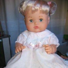 Otras Muñecas de Famosa: PRECIOSA NENUCA MODERNA COMO NUEVA. Lote 68265113