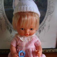 Otras Muñecas de Famosa: MUÑECA DE FAMOSA ROPA ORIGINAL Y CHUPETE NENUCA NENUCO AÑOS 80 ?. Lote 68563937