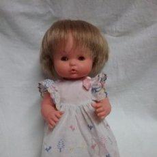 Otras Muñecas de Famosa: ANTIGUA MUÑECA NENUCA CORAZÓN DE FAMOSA CON ROPA ORIGINAL . Lote 68804181