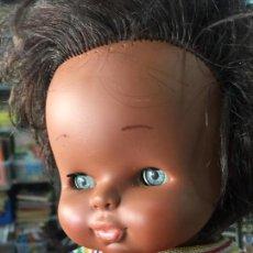 Otras Muñecas de Famosa: MUÑECO GODIN NEGRO NEGRITO DE FAMOSA CON ATUENDO ORIGINAL. Lote 72046255