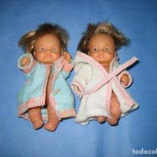 Otras Muñecas de Famosa: PAREJA BARRIGUITAS DE FAMOSA. ESTA SUCIA DE ALMACENAJE. Lote 72268635