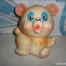 Otras Muñecas de Famosa: ANTIGUO PERRITO DE GOMA CON PITO POSIBLEMENTE FAMOSA AÑOS 60/70. Lote 73710371
