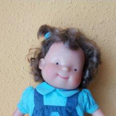 Otras Muñecas de Famosa: MUÑECA LES TRES BESSONES DE FAMOSA. Lote 236252105