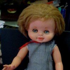 Otras Muñecas de Famosa: MUÑECA BEGOÑA FAMOSA AÑOS 60 ROPA ORIGINAL. Lote 81911032