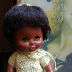 Otras Muñecas de Famosa: MONISIMO BEBE NEGRITO DE FAMOSA AÑOS 70 OJOS MARGARITA.. Lote 84918664