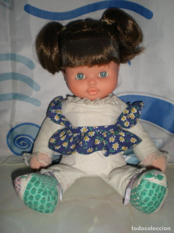 Otras Muñecas de Famosa: bonita mimitos mimos balancín de famosa castaña año 1980 funcionando perfecta - Foto 2 - 85868460