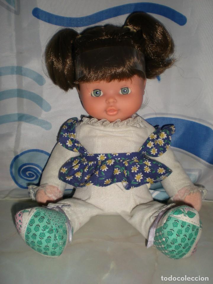 Otras Muñecas de Famosa: bonita mimitos mimos balancín de famosa castaña año 1980 funcionando perfecta - Foto 3 - 85868460