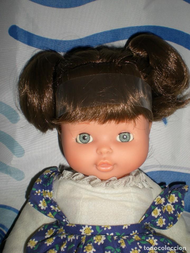 Otras Muñecas de Famosa: bonita mimitos mimos balancín de famosa castaña año 1980 funcionando perfecta - Foto 4 - 85868460