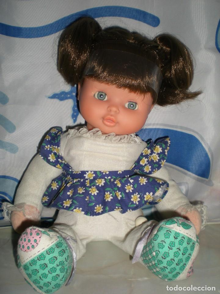 Otras Muñecas de Famosa: bonita mimitos mimos balancín de famosa castaña año 1980 funcionando perfecta - Foto 9 - 85868460