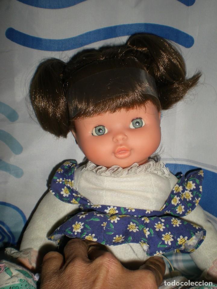 Otras Muñecas de Famosa: bonita mimitos mimos balancín de famosa castaña año 1980 funcionando perfecta - Foto 10 - 85868460