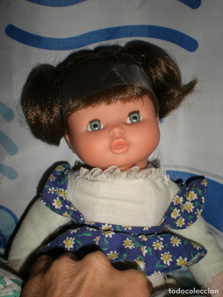 Otras Muñecas de Famosa: bonita mimitos mimos balancín de famosa castaña año 1980 funcionando perfecta - Foto 11 - 85868460