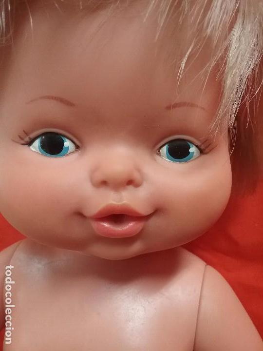 Otras Muñecas de Famosa: ANTIGUA MUÑECA NENU LLORA DE FAMOSA - ROPA ORIGINAL - AÑOS 70 - Foto 3 - 86187716