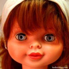 Otras Muñecas de Famosa: MUÑECA MODERNA ESPAÑOLA, MARINA DE FAMOSA. ROPA ORIGINAL, HERMOSA, PELIRROJA, 60 CM. 1960S. Lote 87205668