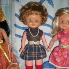 Otras Muñecas de Famosa: RARA MUÑECA DE FAMOSA AÑOS 60/70 SELLADA SOLO CON FAMOSA IRIS MARGARITA RAROS 40 CM. Lote 87470488