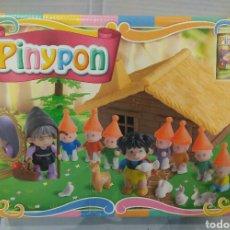 Otras Muñecas de Famosa: PINYPON BLANCANIEVES. NUEVO EN CAJA. PIN Y PON CUENTOS. FAMOSA. 2003. LOS 7 ENANITOS.. Lote 88370162