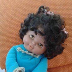 Otras Muñecas de Famosa: PRECIOSA MIMI MIMOSA MIMITA MUSICAL NEGRITA DE FAMOSA. AÑO 1981. FUNCIONANDO AUN.. Lote 138008236