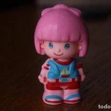 Otras Muñecas de Famosa: MUÑECO MUÑECA FIGURA PINYPON CHICA - FAMOSA, AÑOS 90. Lote 94528690