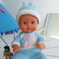 Otras Muñecas de Famosa: BEBÉ DE NENUCO CON PIJAMA Y GORRO.. Lote 96527259