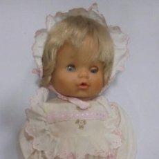 Otras Muñecas de Famosa: MUÑECA DE FAMOSA. BEBE. AGUJERITO PARA BIBERON Y PIPI. 42 CM LARGO. VER FOTOS. Lote 96821371