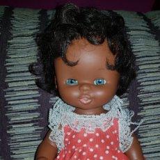 Otras Muñecas de Famosa: MUÑECA CURRINA NEGRITA DE FAMOSA AÑOS 80. Lote 98537742