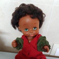 Otras Muñecas de Famosa: MUÑECA CURRINA DE FAMOSA NEGRITA 26CM. Lote 101600802