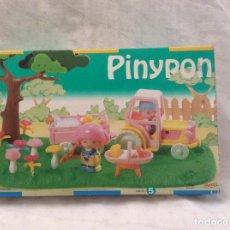 Otras Muñecas de Famosa: PINYPON TRACTOR CAMPO NUEVO. Lote 103444463