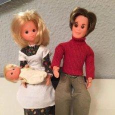 Otras Muñecas de Famosa: FAMILIA FELIZ ÉPOCA NANCY FAMOSA AÑOS 70 MUY NUEVOS. Lote 104787183