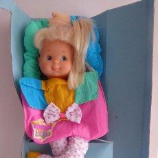 Otras Muñecas de Famosa: COMPI BOLSO DE FAMOSA 1995. Lote 104976143